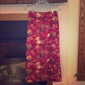 Beautiful floral fall wrap midi skirt. Size 4